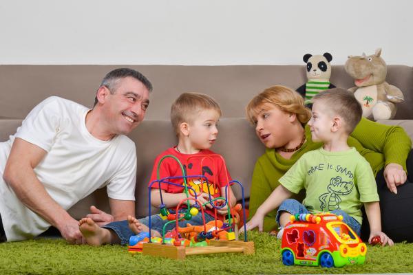 Посли добра: перші патронатні сім'ї в Україні